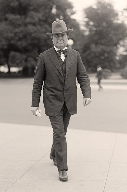 william e borah Chapter 24 apush america:  william e borah  dollar diplomacy was a foreign policy associated with the presidency of william howard taft.